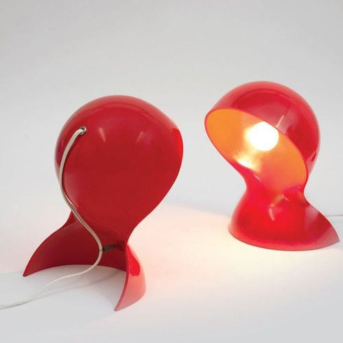 VICO MAGISTRETTI (1920 2006) Pair of « Dalù » table lamps by Vico Magistretti in…