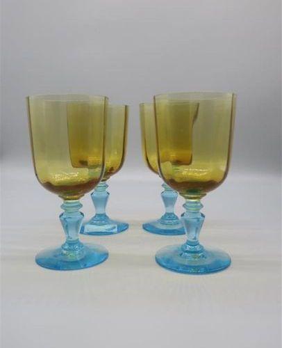 CRISTALLERIE de PORTIEUX. 4 verres à eau modèle George Sand, pied bleu balustre …