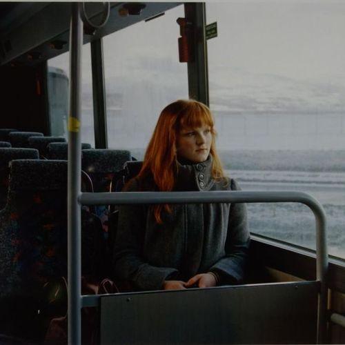 Géraldine Lay (née en 1972). Rousse dans le bus, Tromso, Norvège, 2009. De la sé…