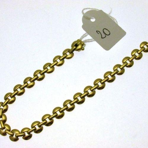 1 flexible gold bracelet alternating circular links and openworked bar links, hu…