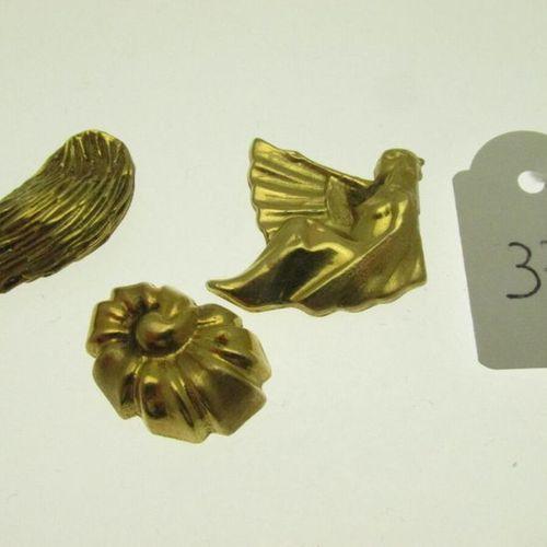 3 debris gold, hunchbacked, broken, incomplete 6g