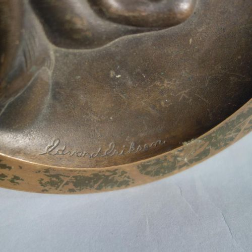 "Kai JENSEN & Édouard ERIKSEN  ""Young woman in profile"". Circular pocket in bronz…"