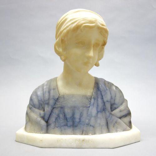 """Guiseppe BESSI (attributed to)  """"Mignon"""". Sculpture in marble and alabaster on a…"""