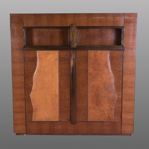 André SORNAY (1902 2000)  Piece of furniture with quadrangular body in varnished…