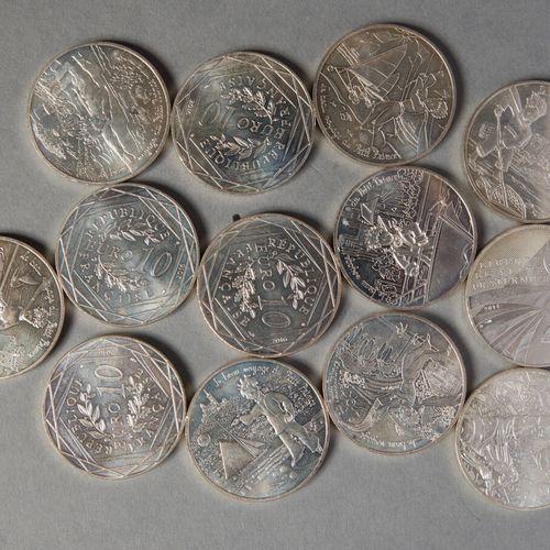 LOT MONNAIES COMMEMORATIVES  13 PIECES DE 10 € série du PETIT PRINCE  (17 gr la …