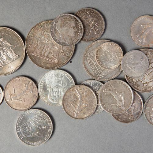 LOT MONNAIES ARGENT  214 gr de pièces françaises :  100, 50,10, 5 , 1 , francs
