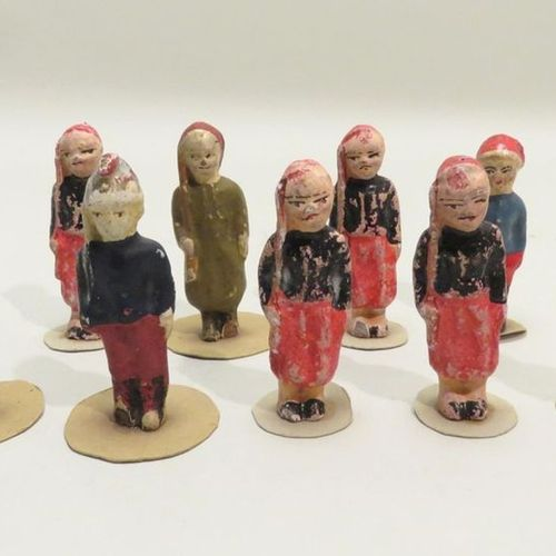 Suite of ten Second Empire soldiers in boiled cardboard, glued on cardboard base…