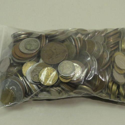 Lot de pièces de monnaies diverses(XIX Xxèmes), France et étranger. Poids total …