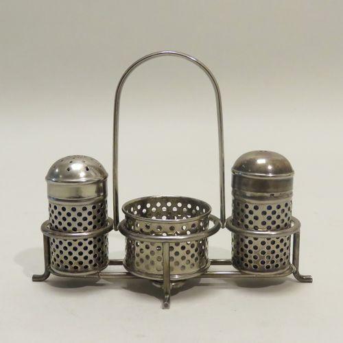 Salière/poivrière sur présentoir, en métal argenté, réceptacles en verre teinté …
