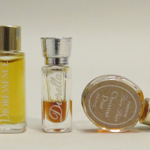 CHRISTIAN DIOR  Lot de 3 miniatures anciennes: « Dior Dior » pastille H : 3,2cm …