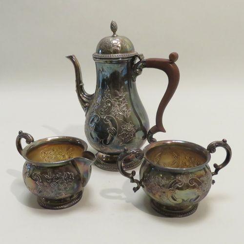 BARKER ELLIS, Angleterre. Partie de service à thé de trois pièces en métal argen…