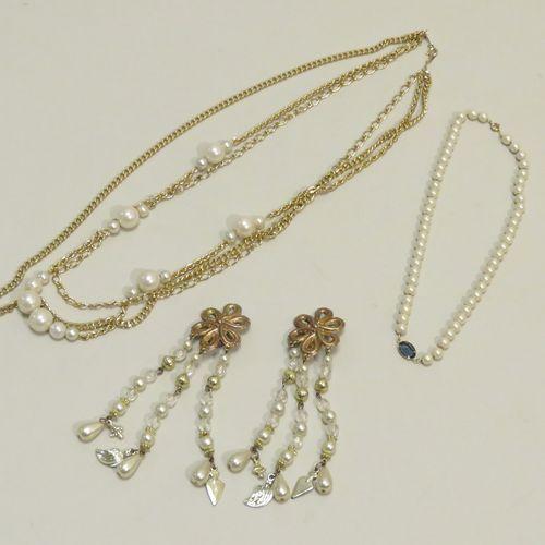 Bijoux  Lot comprenant un collier imitation perles avec au centre une pierre ble…