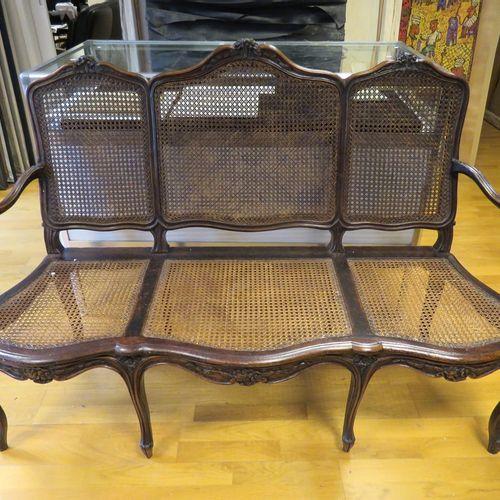 Lot composé d'une chaise et d'un canapé (3 places) à assises et dossiers cannés,…