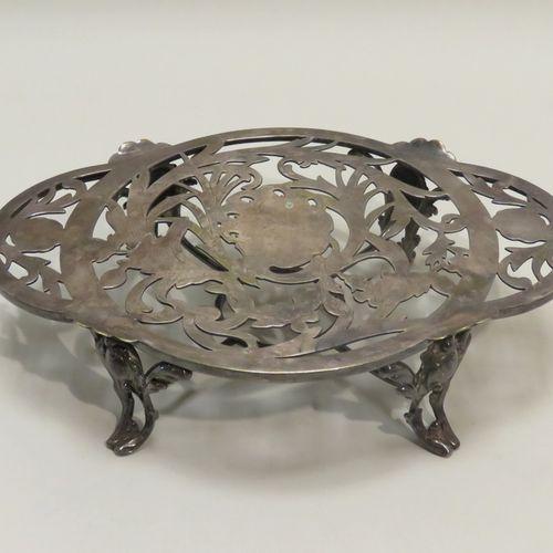 CHRISTOFLE. Chauffe plat en métal argenté. Signé. 8 x 34.5 x 24 cm.