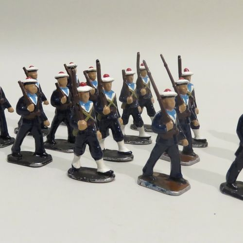 QUIRALU. Ensemble de dix sept Marins , en aluminium peint. 7.5 x 3.5 cm (environ…
