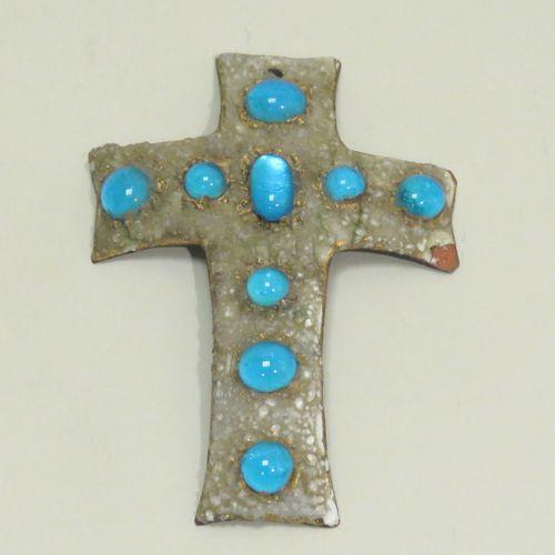 Pendentif crucifix en cuivre émaillé. Trace de signature en dorée au dos (illisi…