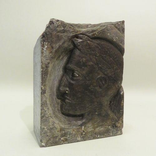 F.LEY (Xxème). Bloc de pierre sculptée en bas relief figurant Napoléon IER à la …