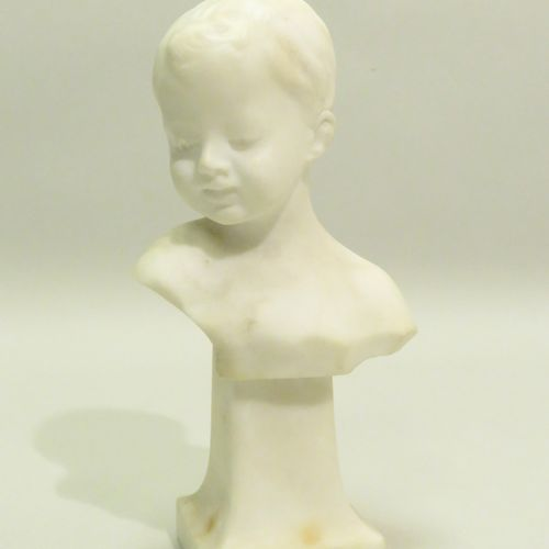 A. DEL PERUGIA (XIX Xxèmes). Buste d'enfant. Sculpture en albâtre, signée au dos…