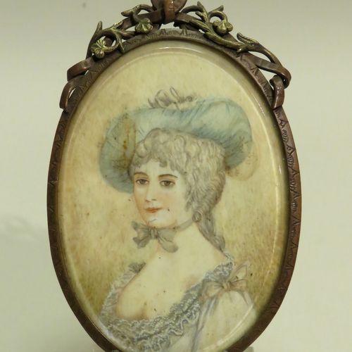 Miniature sur ivoire encadrée : Dame de qualité (Madame De Pompadour ?). Le cadr…