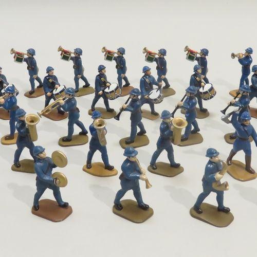 QUIRALU. Ensemble de trente deux soldats musiciens (France, Ière Guerre Mondiale…