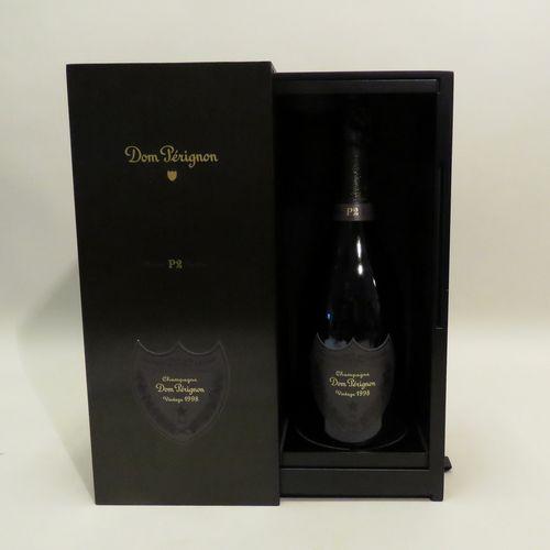 唐培里侬香槟,Brut,年份,年份1998。1个BTL装在原来的金属盒子里,放在一个毡袋里。