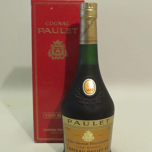 Très Grande Fine Cognac, V.S.O.P Reserve, Château Paulet. 1 bottle of 70 cl in c…