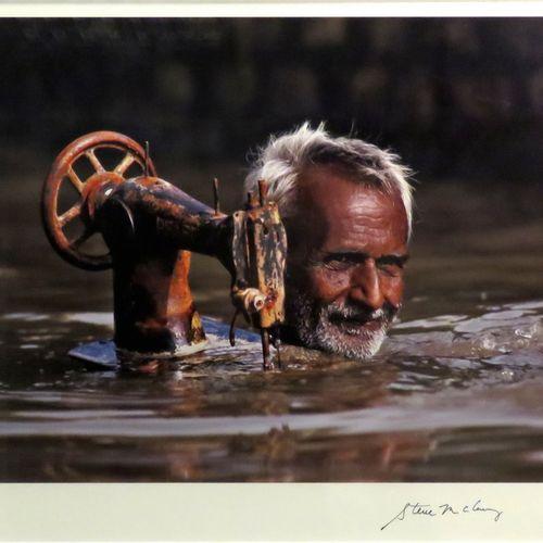 """Steve MCCURRY (né en 1950). """"India"""", 2007. Photographie originale en couleurs (t…"""
