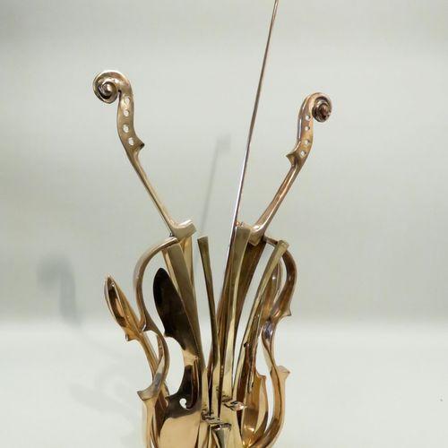 """Fernandez ARMAN (1928 2005). """"Violon Venise"""", 2004. Sculpture en bronze doré, si…"""