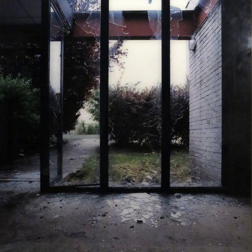 """Marie AMAR (née en 1962). """"Les Portes N°11"""", 2005. Tirage photographique encadré…"""