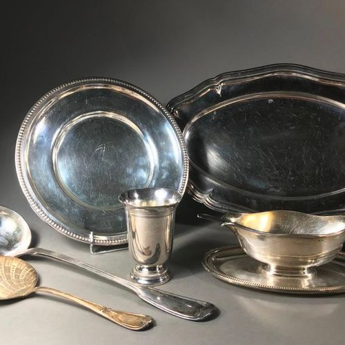 Silver plated metal set comprising a long dish with a contoured edge  L. 41 cm  …