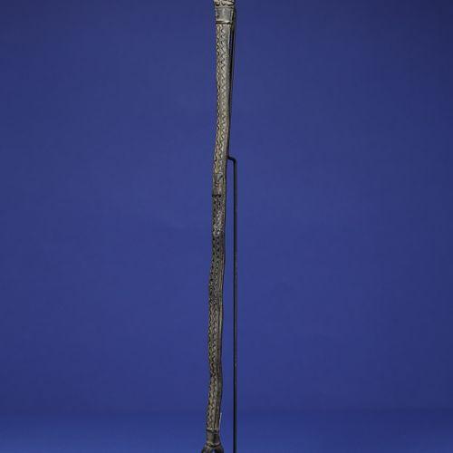 Bronze de protection en forme de serpent à deux têtes. Lobi Gan, Burkina Faso. H…