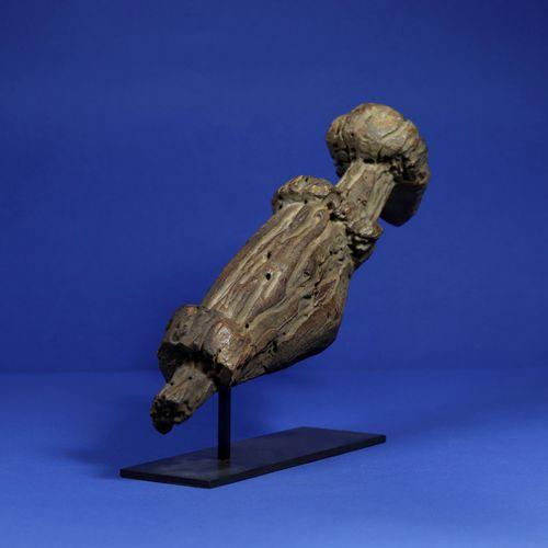 Statue représentant un quadrupède, les jambes en partie manquantes et l'ensemble…