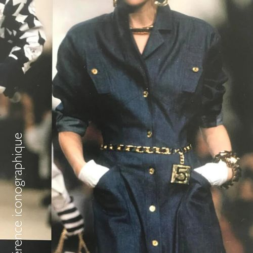 CHANEL (COLLECTION PRINTEMPS ETE 1987) WIDE BELT in black lambskin leather, larg…