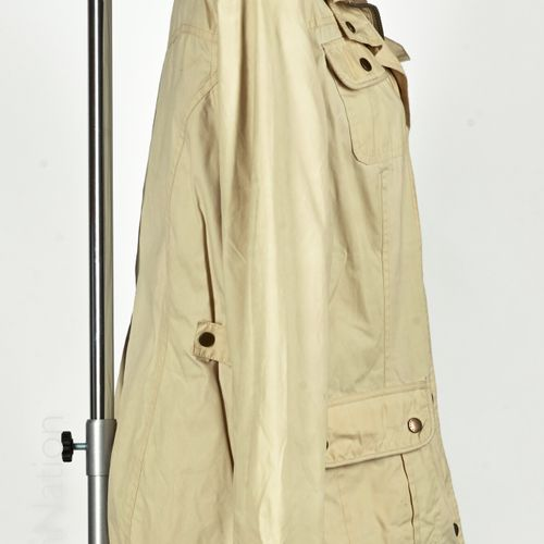 BARBOUR Waterproof and breathable jacket made of beige polyester lined with chec…