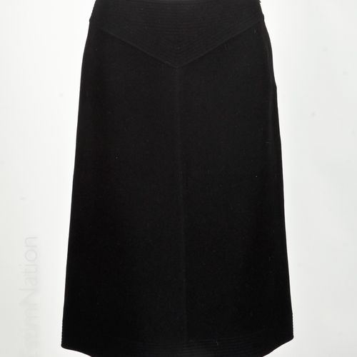 LOUIS VUITTON Black cashmere flared skirt with gadrooned waist cut effect (T 36)
