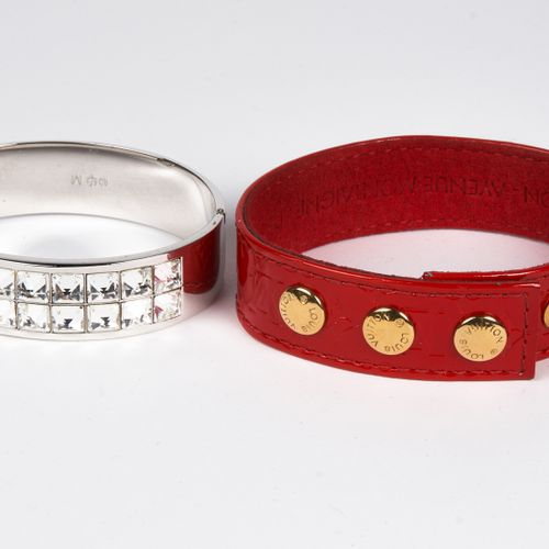 LOUIS VUITTON, SWAROVSKI BRACELET in red Monogram patent leather (VIP gift Decem…
