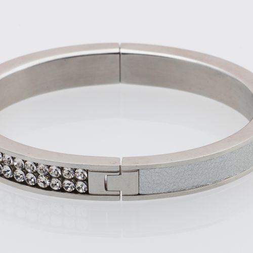 SWAROVSKI. BRACELET Swarovski. Bracelet opening bezel in white chromed metal ado…
