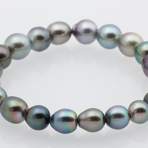 BRACELET PERLES TAHITI Stretch bracelet made of Tahitian pearls on elastic threa…