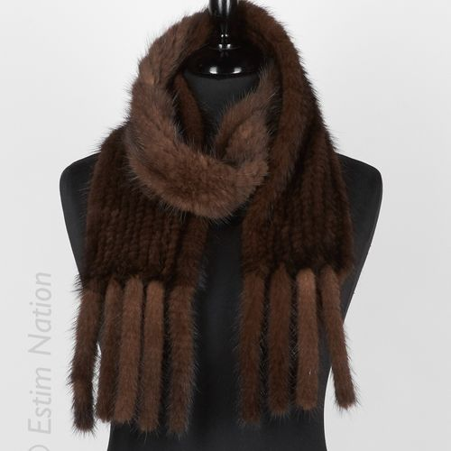 ANONYME Mink knit scarf with mink tails (length 160 x 12,5 cm)