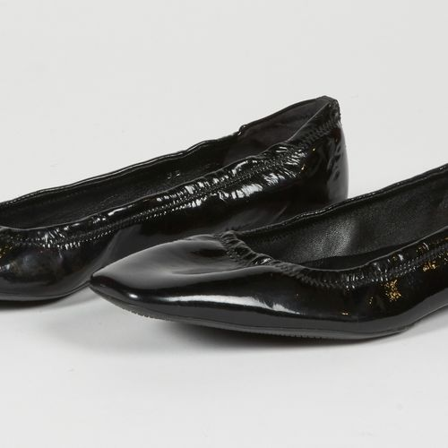 PRADA Pair of black stretch patent leather ballet flats (P 35 it is approx P 35,…