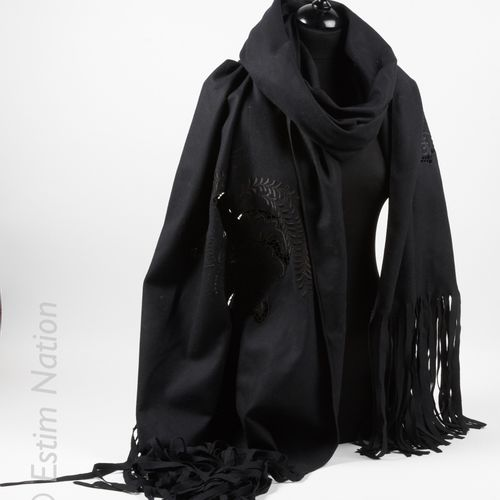 WEEKEND MAX MARA ETOLE fringed in black wool openwork and embroidered with a pla…