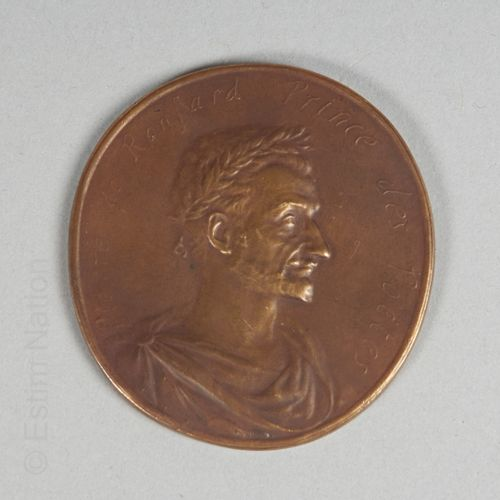 MEDAILLE RONSARD Médaille circulaire en bronze figurant le poète Pierre de Ronsa…