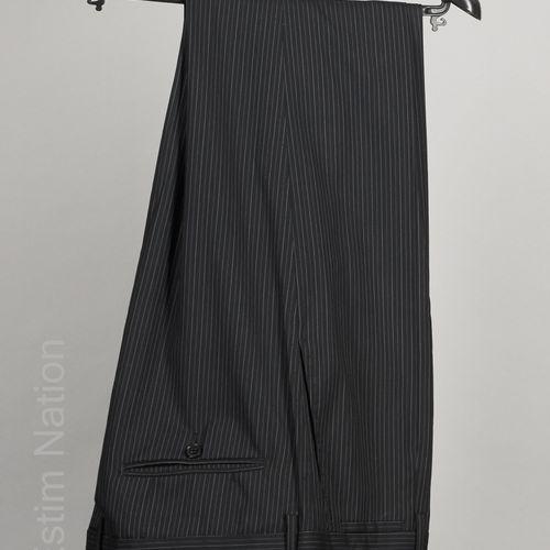 DOLCE & GABBANA COSTUME en laine vierge noire à rayures tennis gris et bleu, ves…