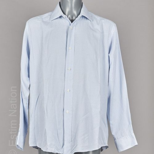 Hermès Vintage CINQ CHEMISES en coton : deux rayées et trois à carreaux (T 16/41…