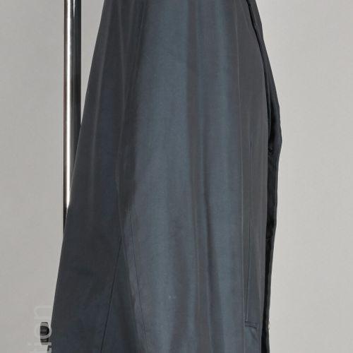 COMME DES GARCONS HOMME PLUS (2001) VESTE en coton noir, trois poches, boutons e…