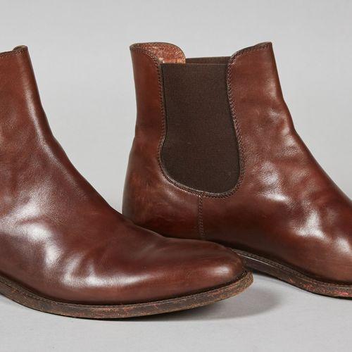FRATELLI ROSSETTI PAIRE DE BOOTS en cuir patiné chocolat, chevilles élastiques (…