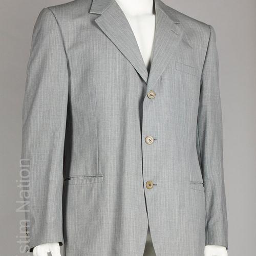 VERSACE CLASSIC V2 COSTUME en laine froide gris perle à rayures tennis, veste à …