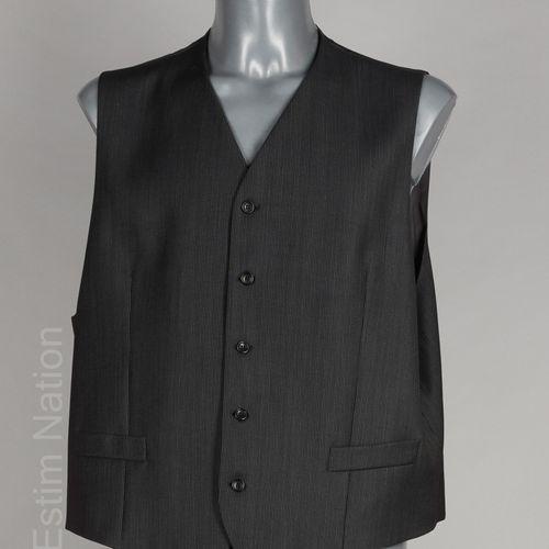KENZO Homme ENSEMBLE COSTUME trois pièces en laine anthracite, veste à trois poc…