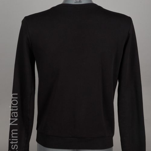 SAINT LAURENT PARIS (2014) SWEATER en éponge de coton noir, encolure réhaussée d…