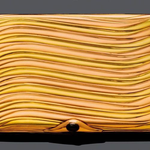 GOLD AND SAPPHIRE CIGARETTE CASE, BY FABERGÉ, St. Petersburg, ca. 1910. Yellow a…